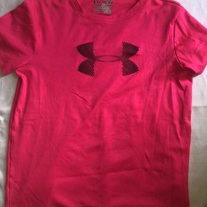Girls pink under armour T-shirt